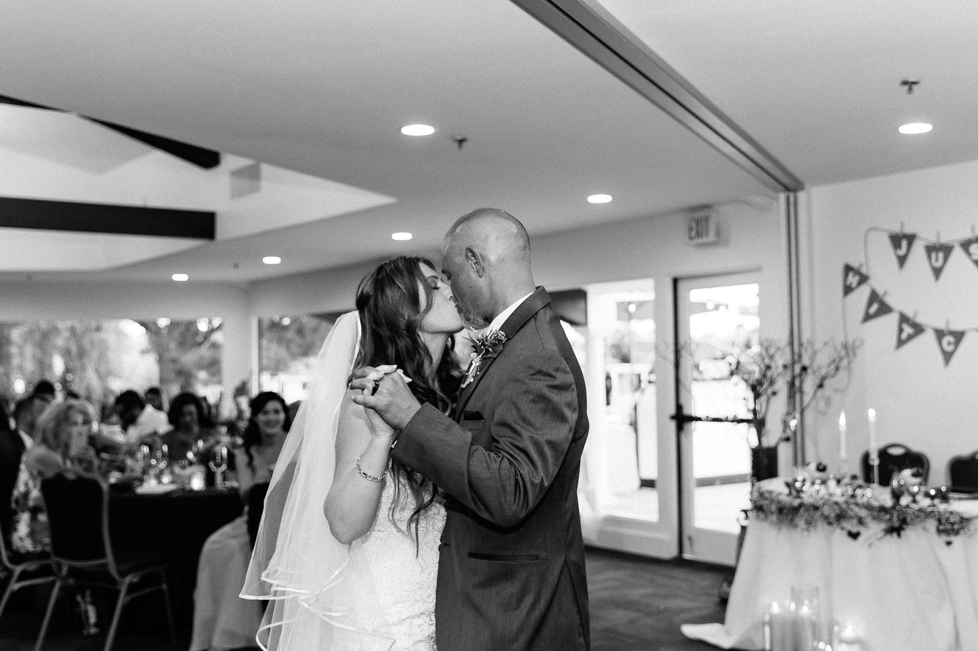 Heather_Pat_San_Marcos_Lakehouse_Wedding_573.jpg