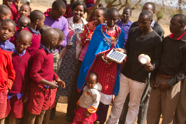 AMBOSELI-KENYA<br>30 SOLAR LAMPS <br> Funded by: IMD-MBA
