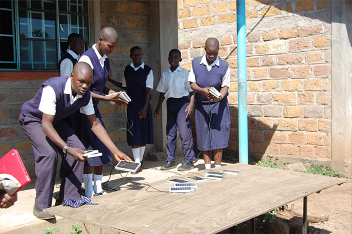 HOMA BAY-KENYA<br>1075 SOLAR LAMPS <br> Funded by: E.ON