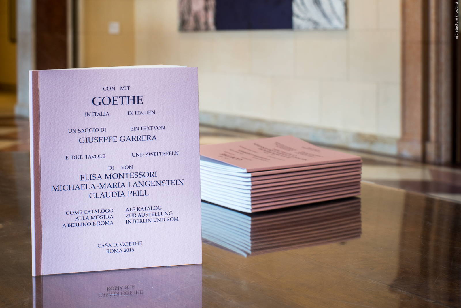 """Broschüre, Dokumentationsfoto, Ausstellung """"Mit Goethe in Italien"""" - Italienische Botschaft, Berlin"""