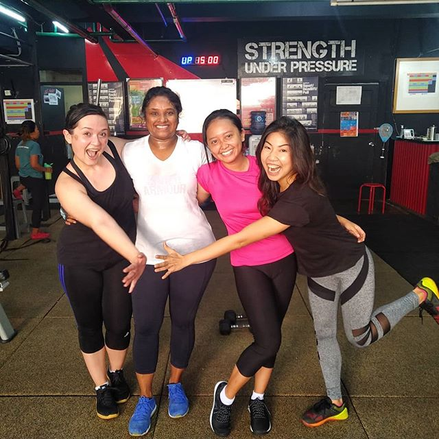 Hello Monday. Have a great week ahead! 💃🏻 #EquatorLife  #KemangTribe #goodvibes #positivevibes #community #workout #fitness #personaltraining #health #healthy #sweat #sweaty #Monday #neverskipmonday