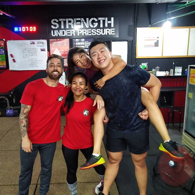 We often feel so at ease and things are clear after exercising and eventually happy. At the same time, endorphins, another chemical to fight stress, is released in your brain. Come and joun with us!  Contact us for more information: ☎ +6281284847199 • • 📍Equator x Bengkel South Wisma Anugraha (basement) Jl. Taman Kemang No.32B RT 14/ RW 1 Bangka, Mampang Prapatan Jakarta Selatan 12730  #EquatorLife  #KemangTribe #goodvibes #positivevibes #community #workout #fitness #personaltraining #health #healthy #sweat #sweaty