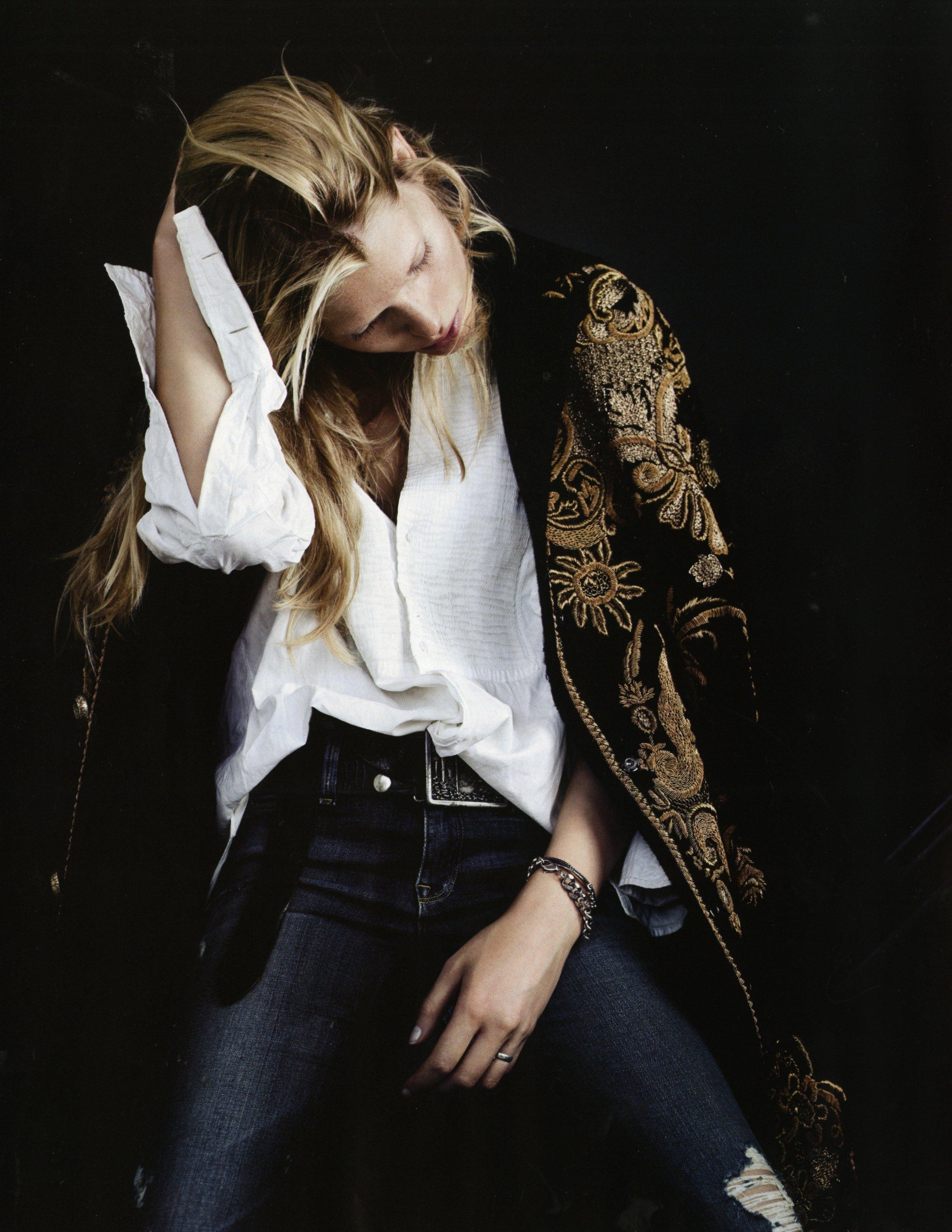 VoguejapanNovember2012 (1).jpg