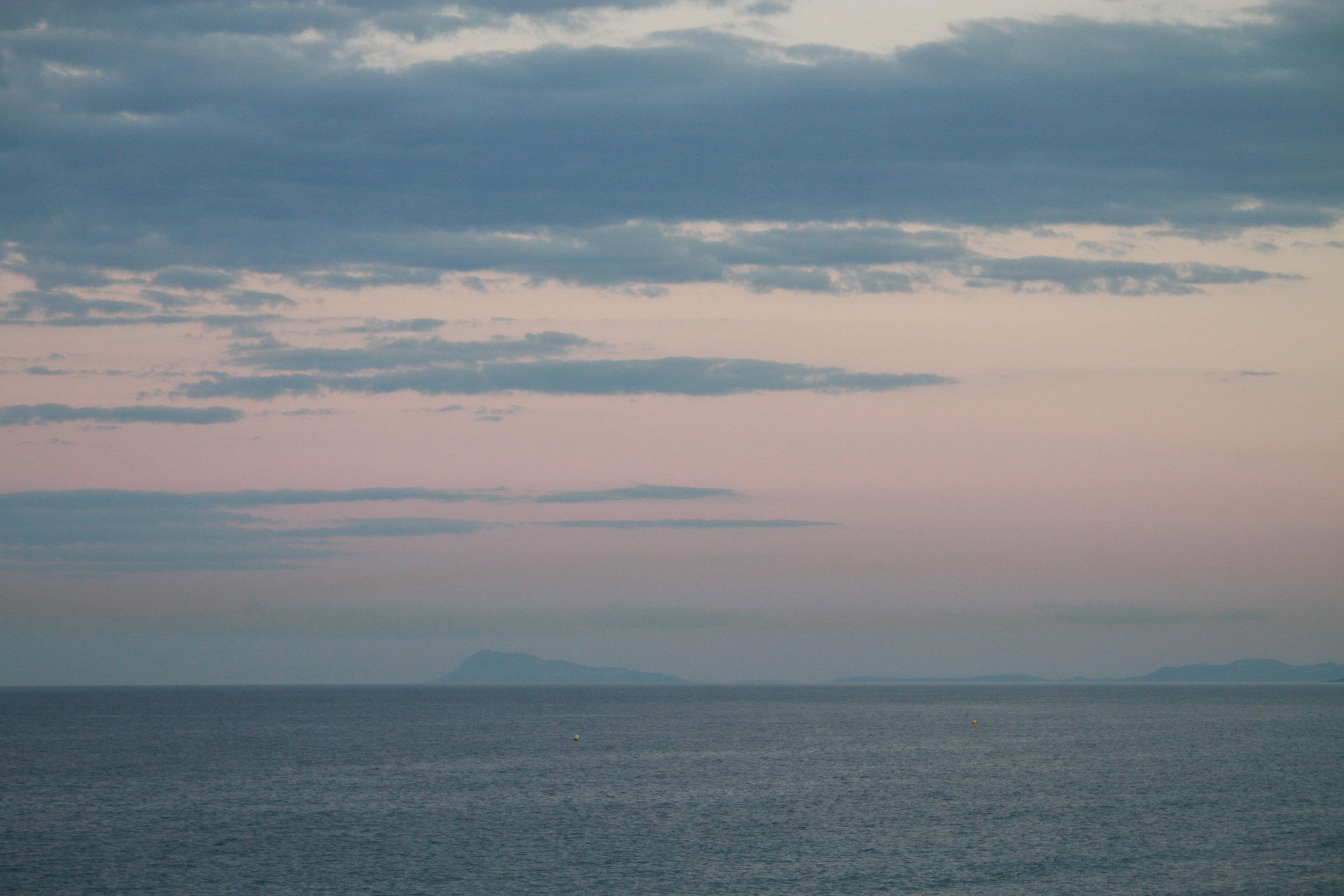 The sea softly gets dark