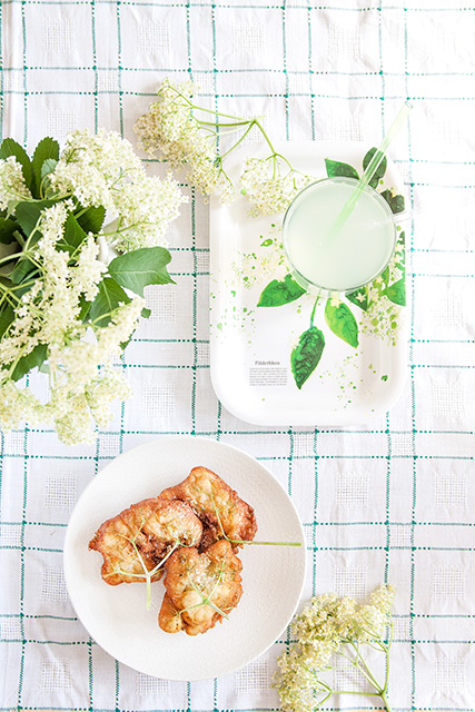 Elderberry flowers pancakes. Fläderblomspannkakor.  Det blir bara pannkaka.