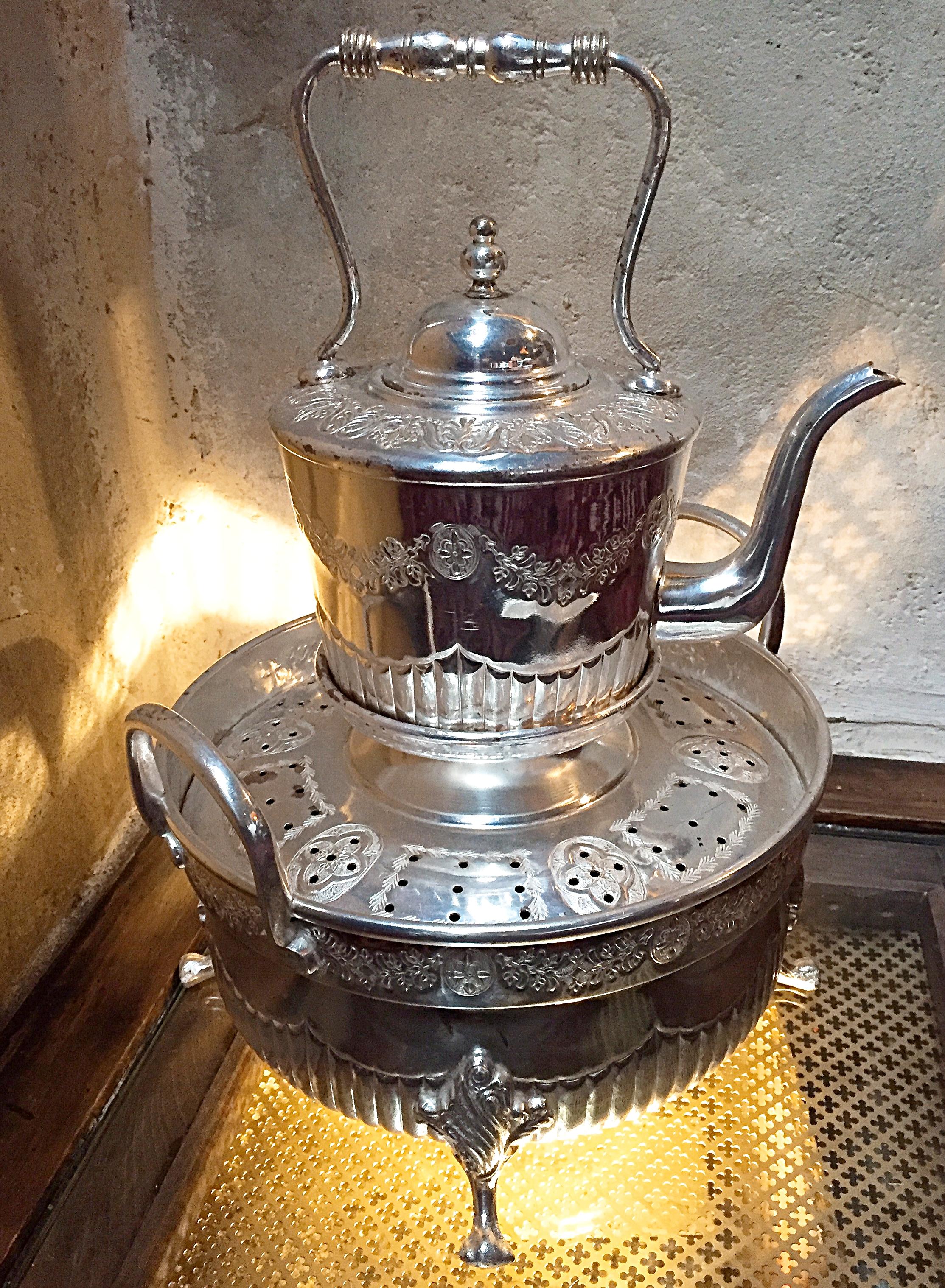 Mint Tea pot - Momo restaurant review, Mayfair London