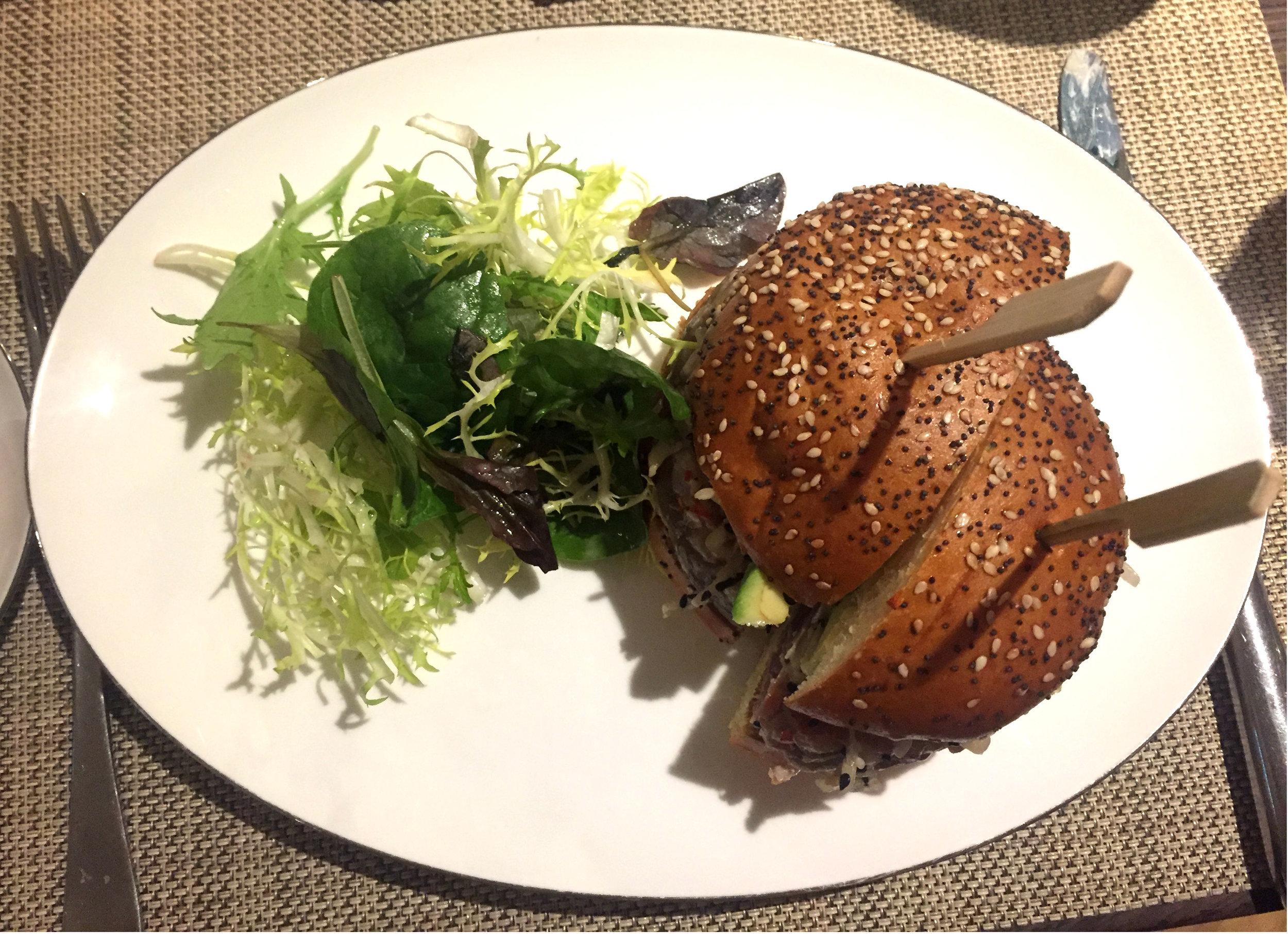 Tuna burger at Galvin At The Athenaeum - Review