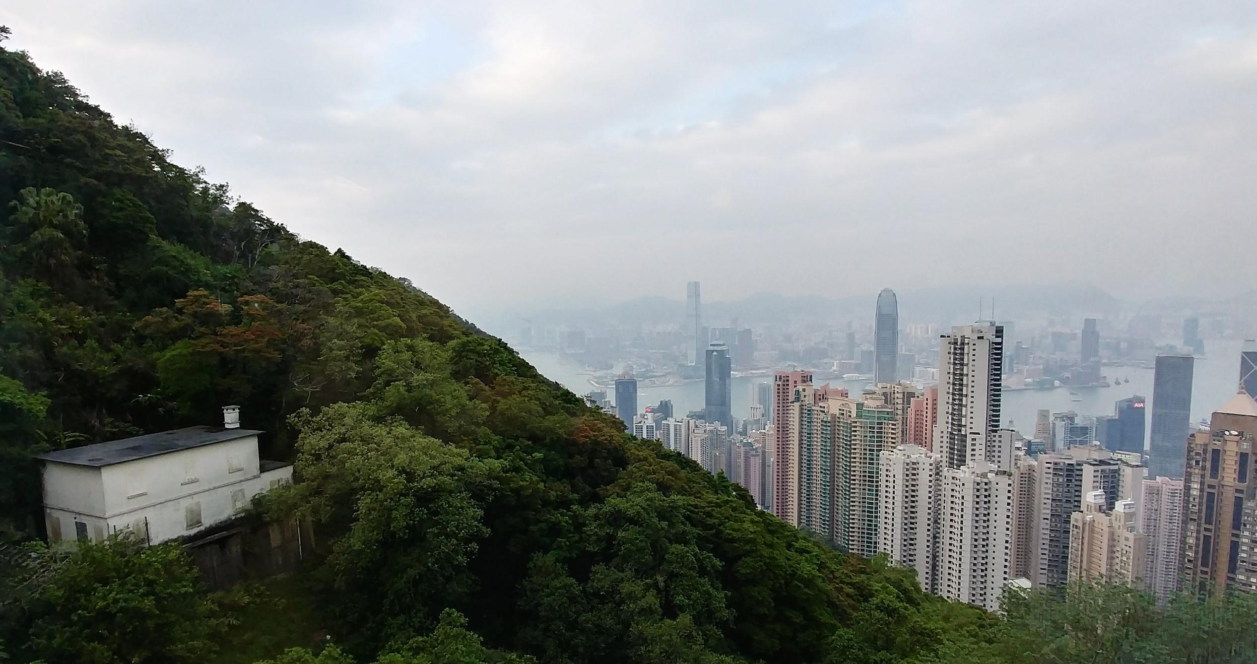 Hong Kong on a budget travel guide