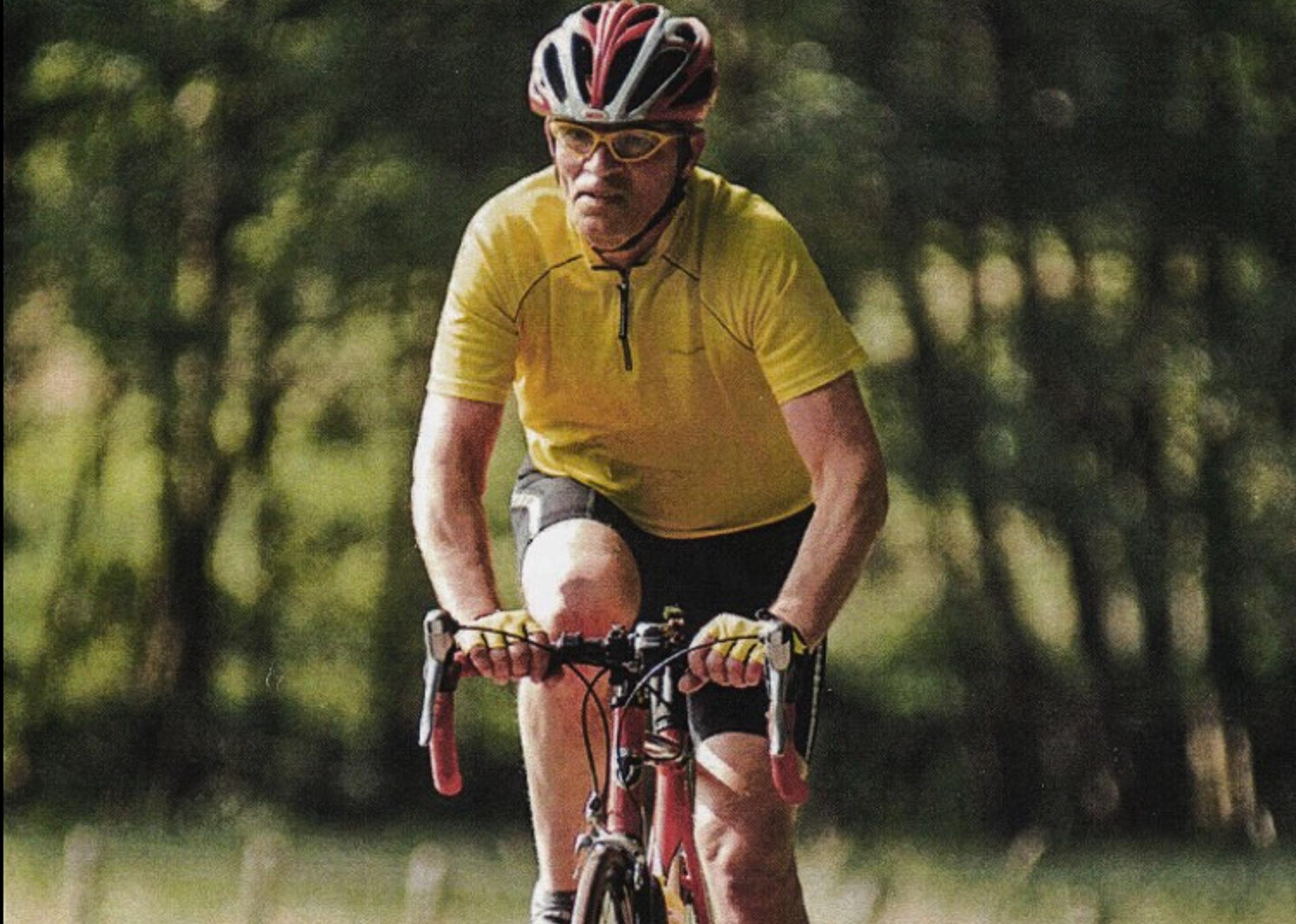 Frank-Simons-yellow-shirt-red-bike-2017-transcontinentalrace06