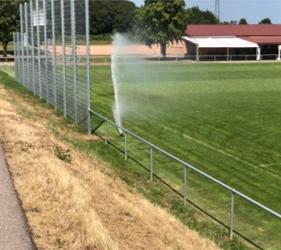 Sprinkler systems are Andreas Wittkemper's (#8) friend