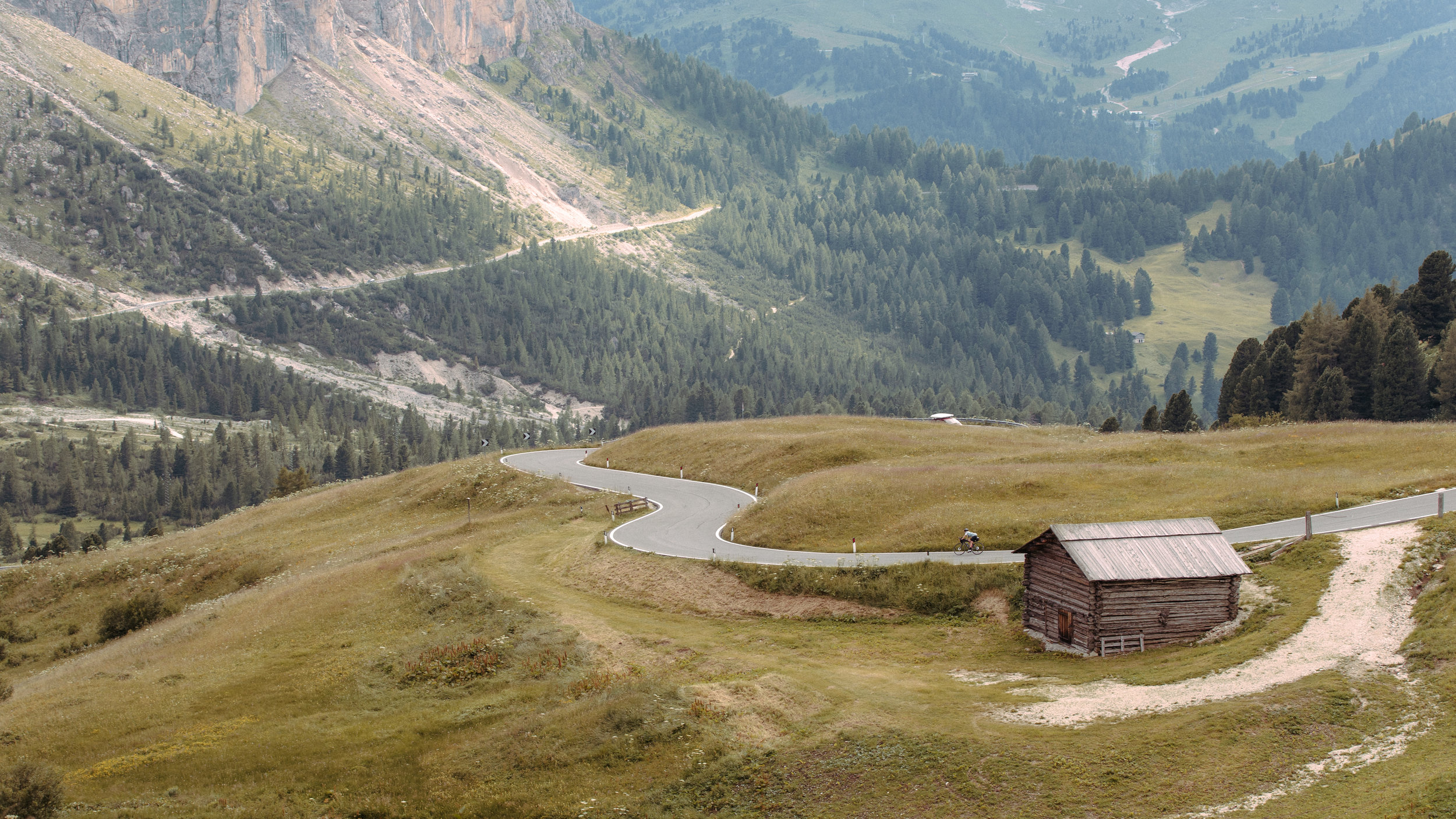 The Passo Gardena, also known as the Grödnerjoch (German) or Jëuf de Frea (Ladin). Photo: Angus Sung©