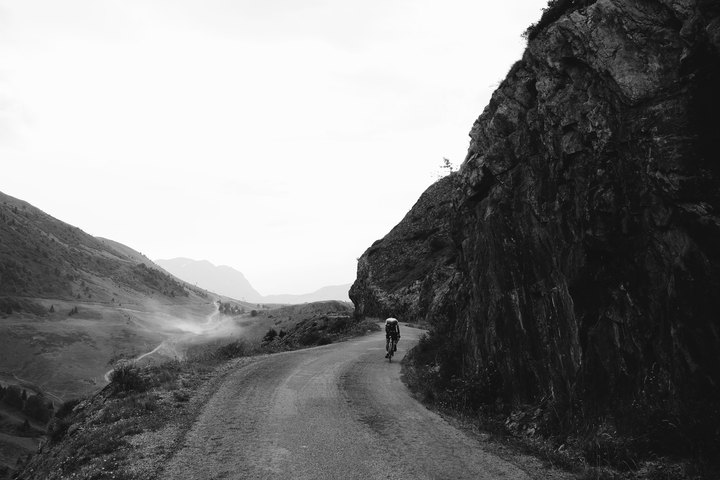 CP4 Parcours, the gravel tracks of the backside of Alpe d'Huez. Photo: Angus Sung©