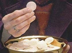 m22.Eucharistic_Minister.jpg