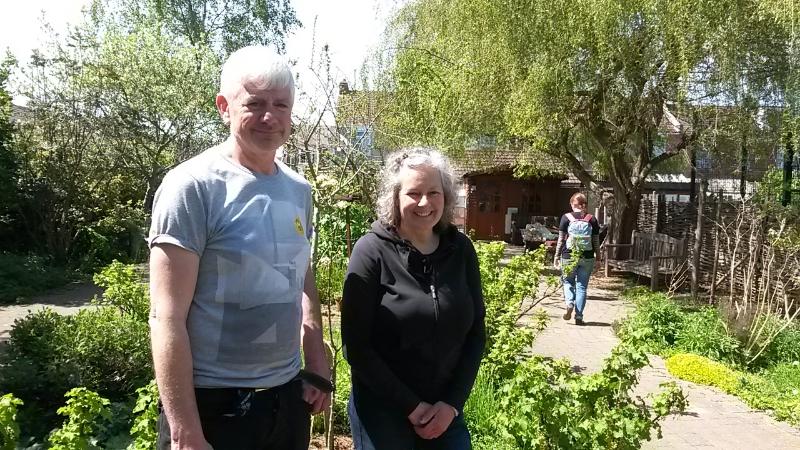 L-R: Garden Volunteer, Tracey the Garden Coordinator