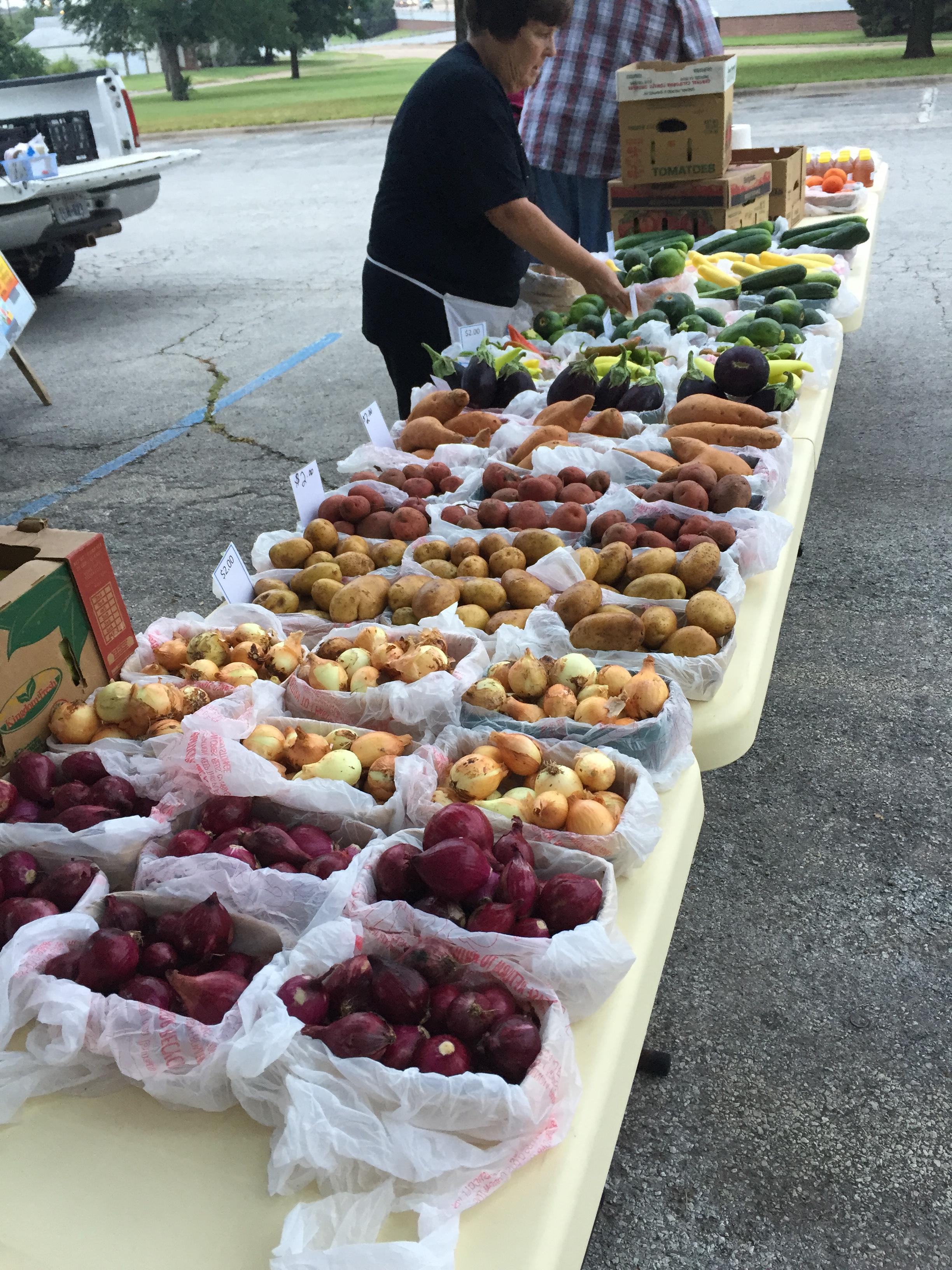 Farmers Market-1.jpg