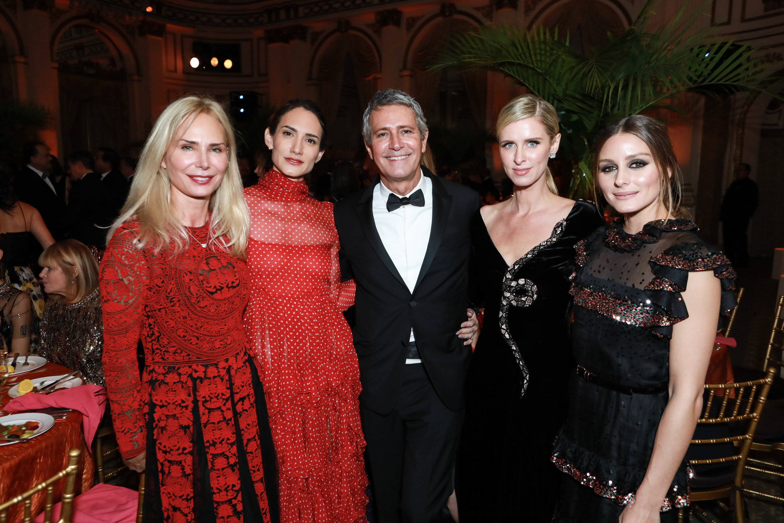 Valesca Guerrand-Hermès, Zani Gugelmann, Carlos Souza, Nicky Hilton Rothschild, Olivia Palermo (2) (1).jpg