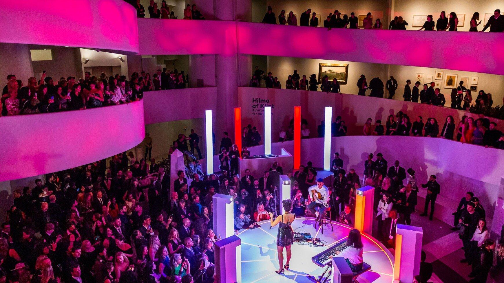gen-event-guggenheim-international-gala-pre-party-2018-jorja-smith-16x9.jpg