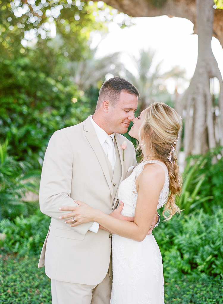 Lauren Galloway Photography | Boca Grande Banyan Tree Street Wedding