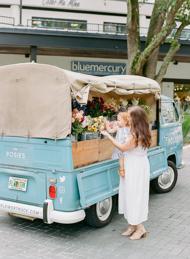 Lauren Galloway | Hyde Park Family Photography Posies Flower Truck.jpg