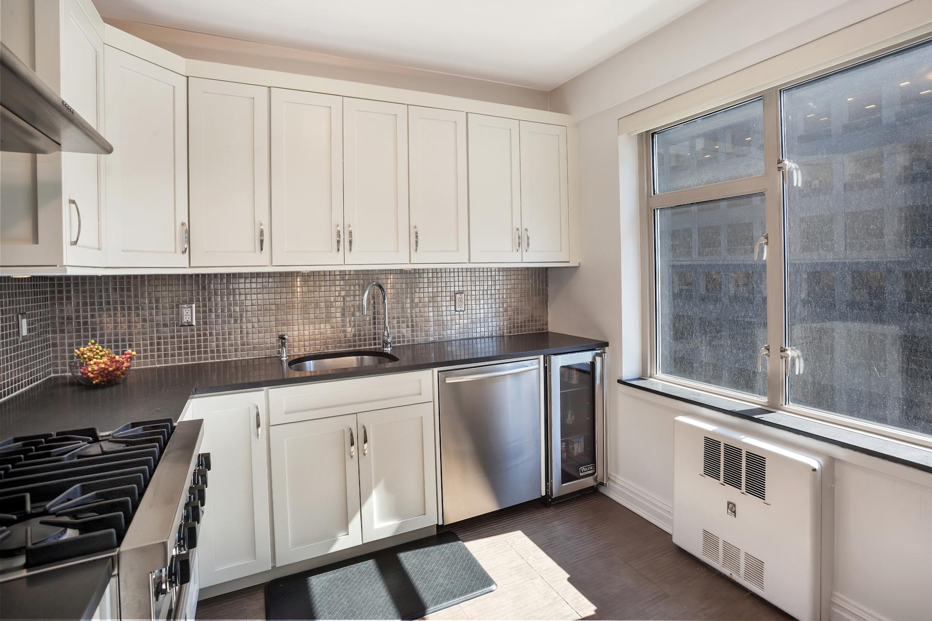 200_kitchen.jpg