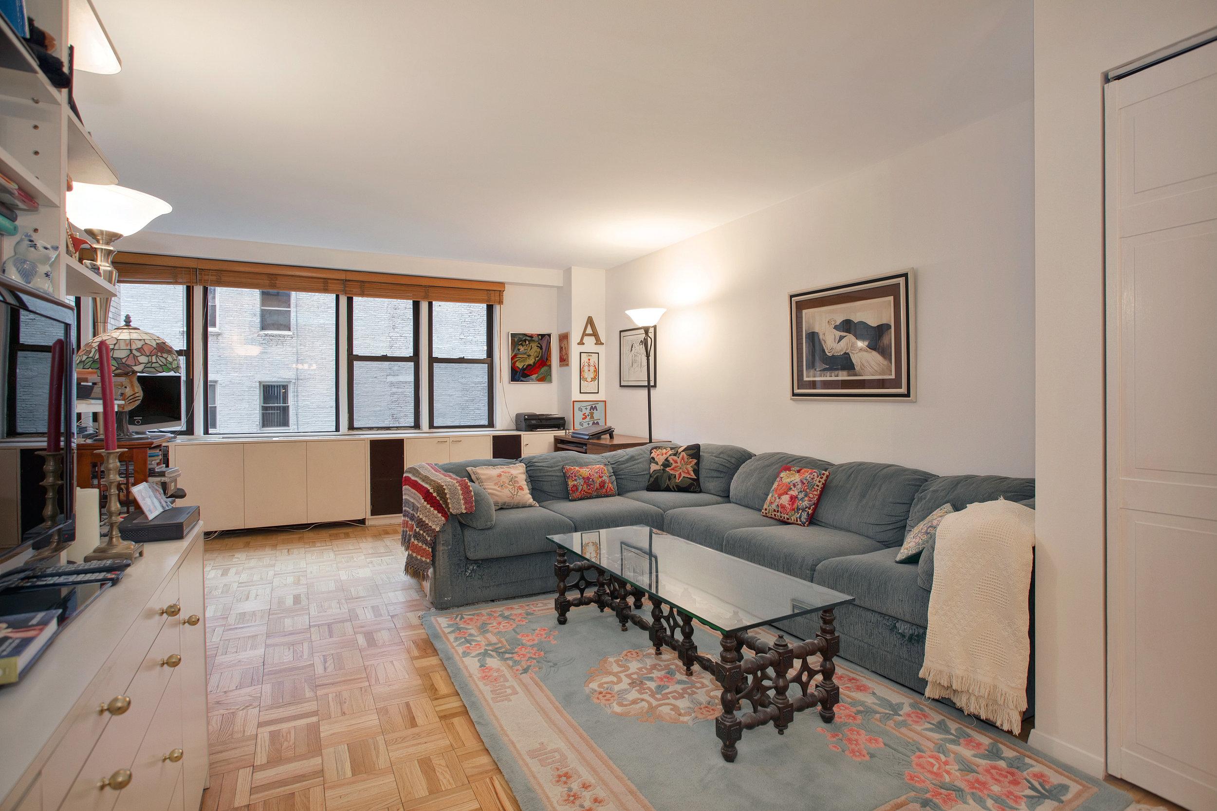 201 East 21st Street, Unit 4L - $550,000