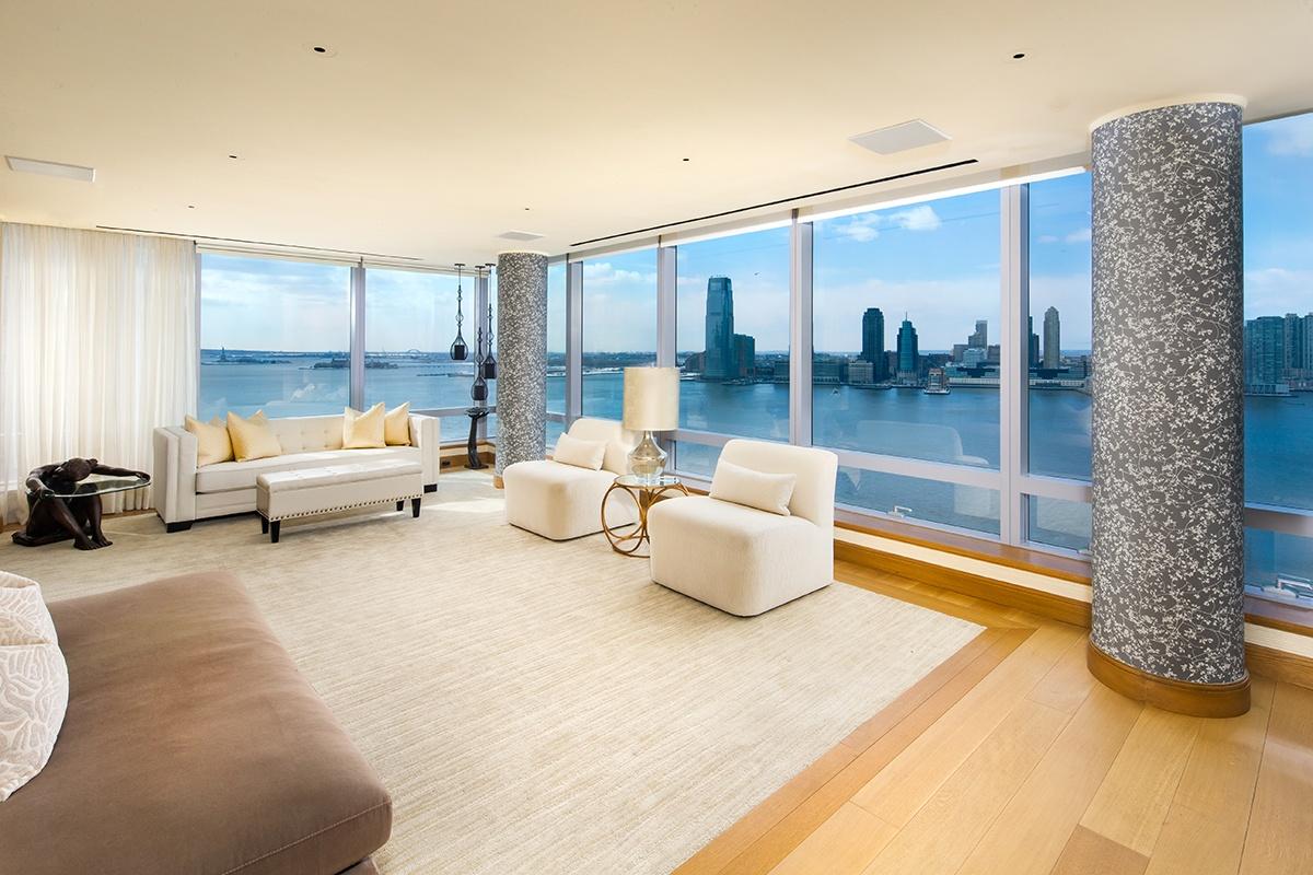Tyra-Banks-Riverhouse-Duplex-Apartment9.jpg