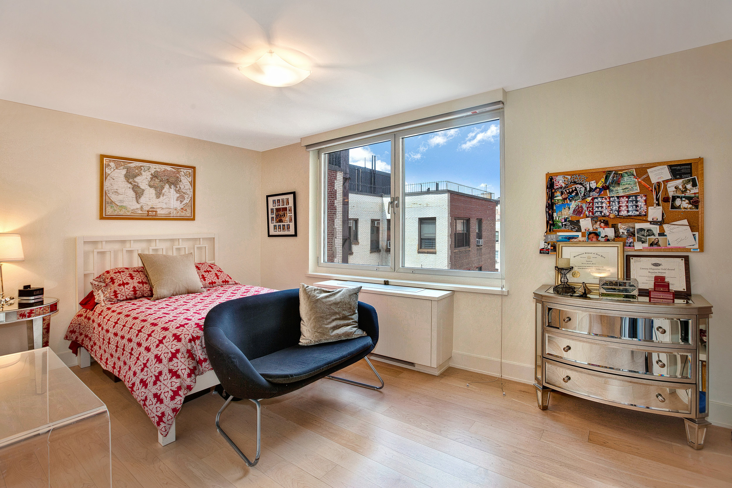 250West90thStreet17K_Dylan_Hildreth-Hoffman_DouglasElliman_Photography_28828800_high_res.jpg