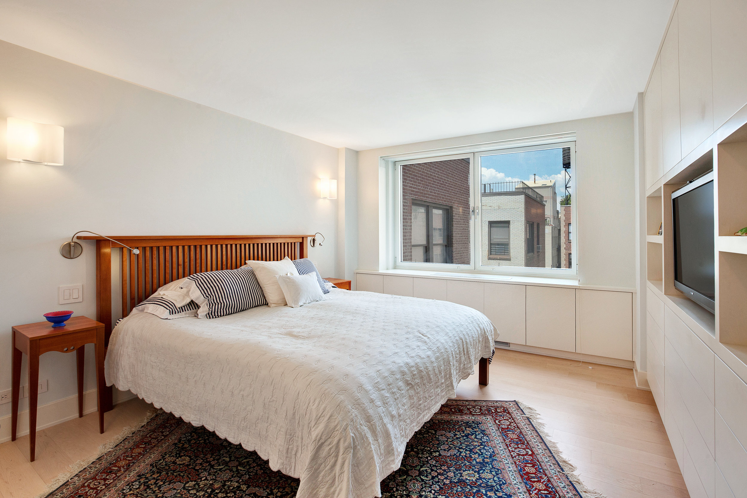 250West90thStreet17K_Dylan_Hildreth-Hoffman_DouglasElliman_Photography_28828870_high_res.jpg
