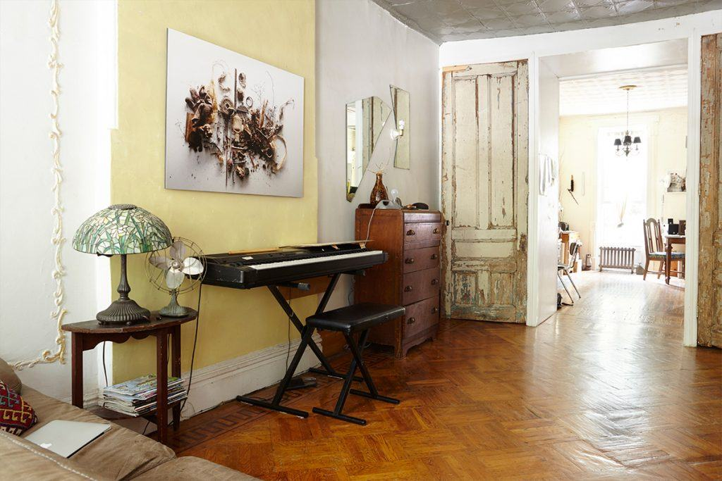 michael-depasquale-and-martina-maffini-bed-stuy-brownstone-apartment-rr-1024x683.jpg