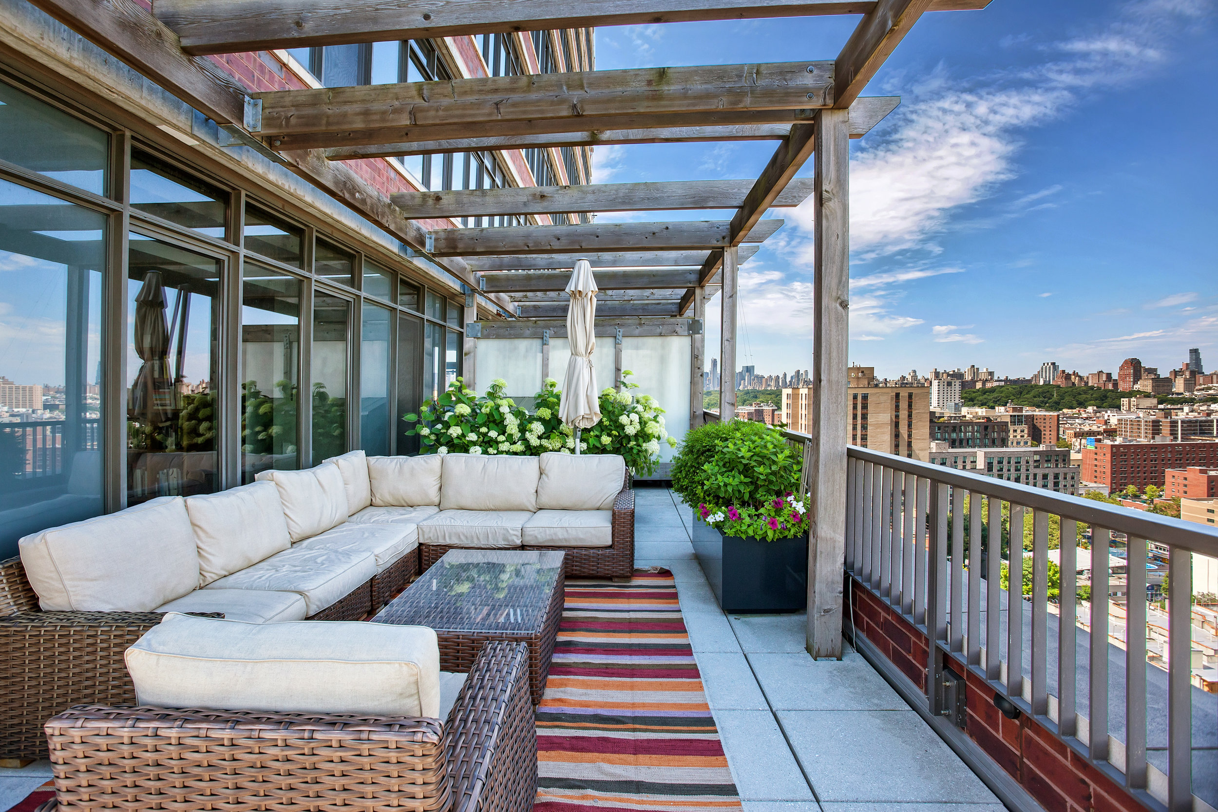 1485_5thave19a-terrace.jpg