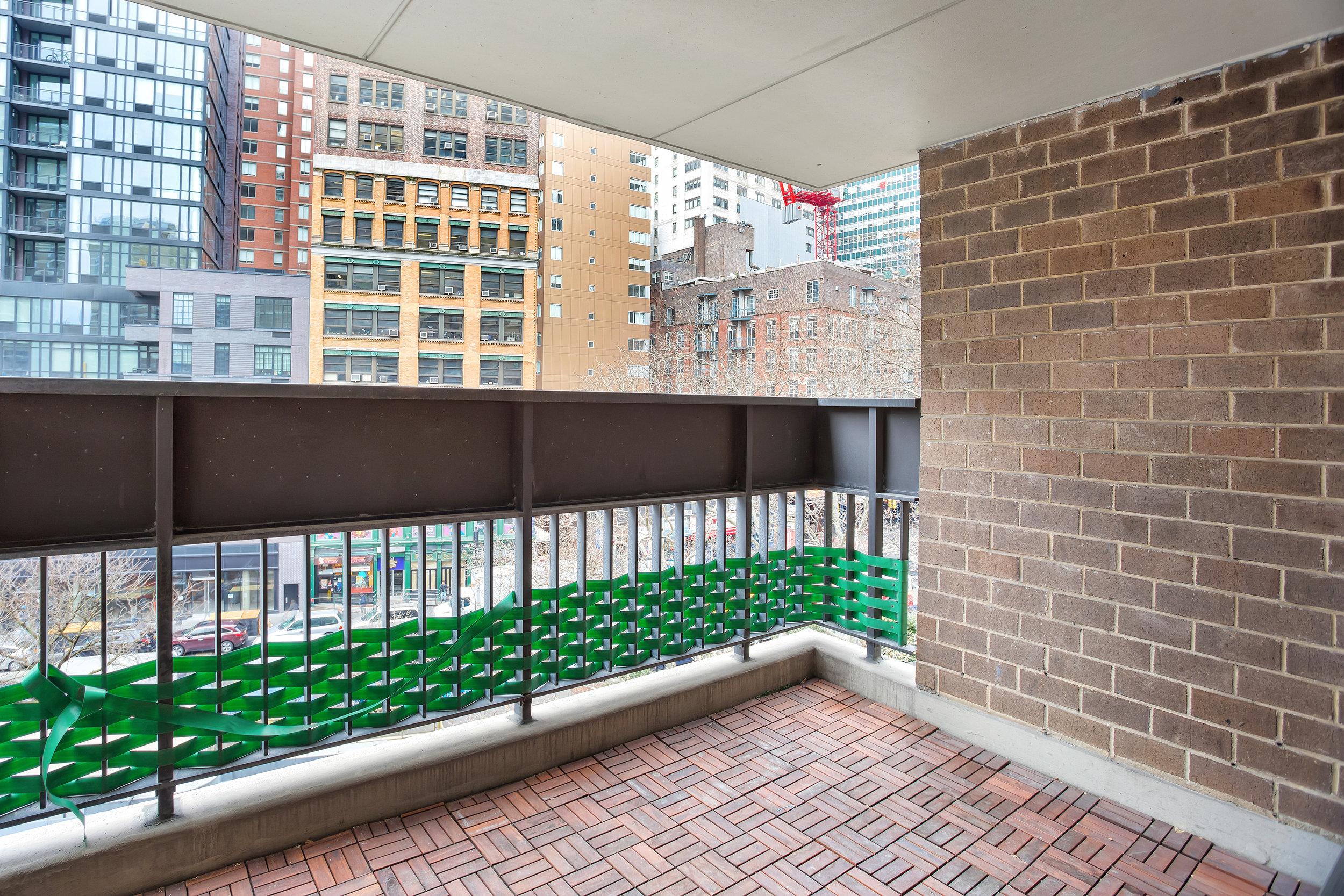 77fultonst6f-terrace.jpg