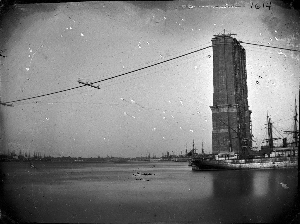 1024px-Construction_of_Brooklyn_Bridge_ca._1872-1887._5832930865.jpg
