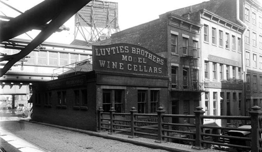 wine-cellars-brooklyn-bridge.jpg