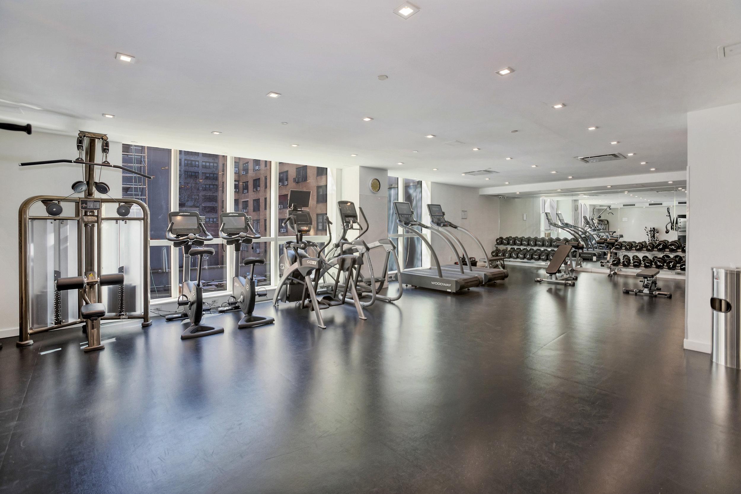 325lex9c-gym.jpg