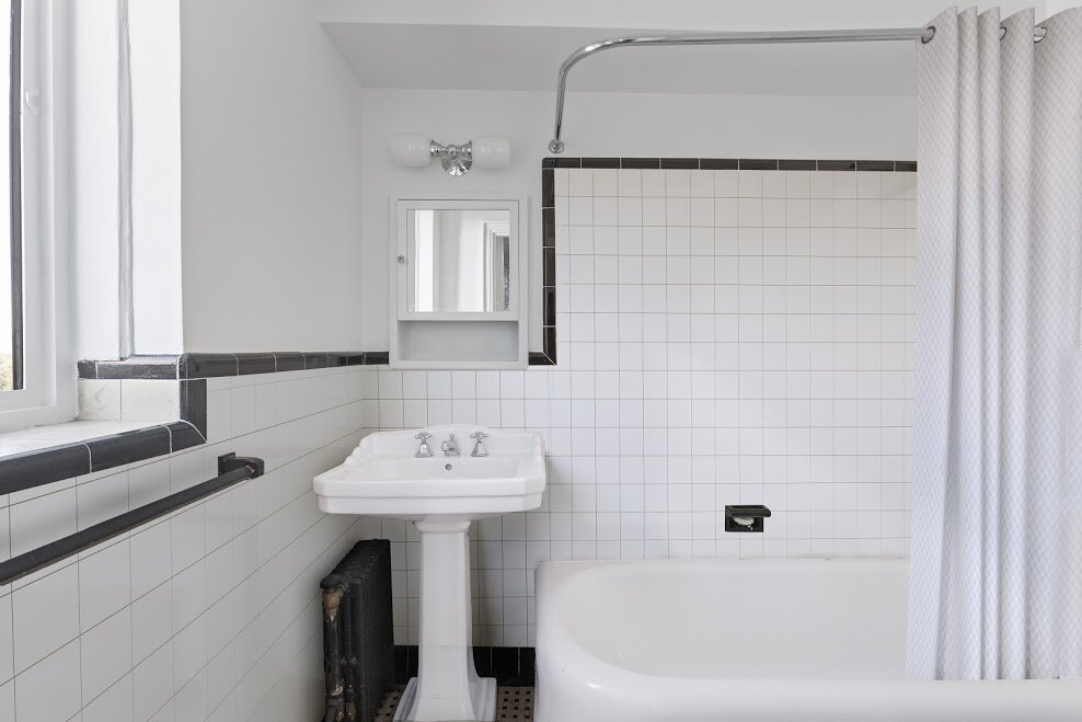 Andrew-7 West 96th St-Second bath-staged-vk-.jpg