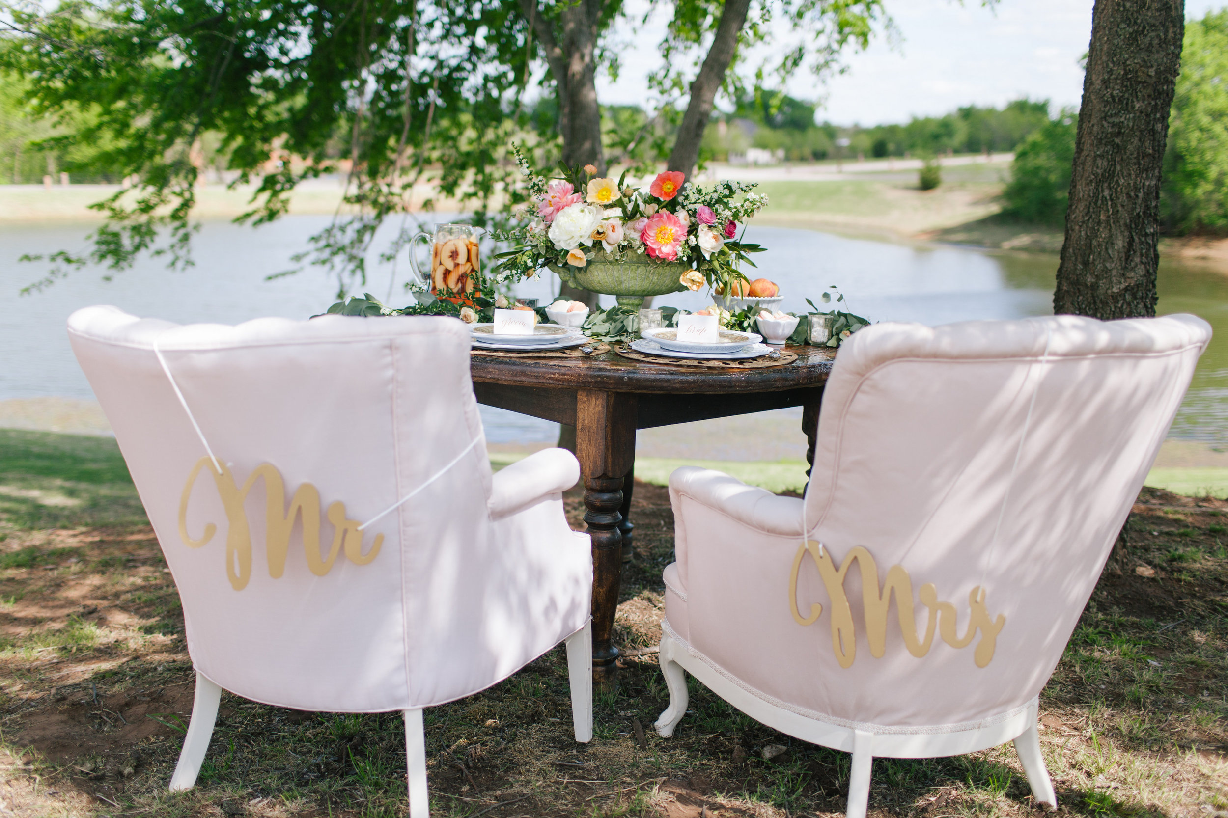 Bliss OKC | Melanie Foster | Sweet Peach Styled Shoot | Sweetheart Table | Vintage Furniture