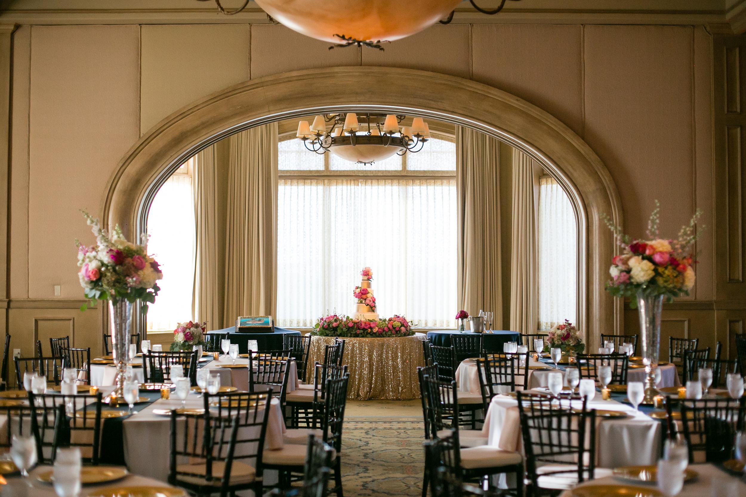 Bliss OKC | Aubrey Marie Photography | Tony Foss Flowers | Gaillardia Country Club | Mood Party Rentals | Wedding Reception