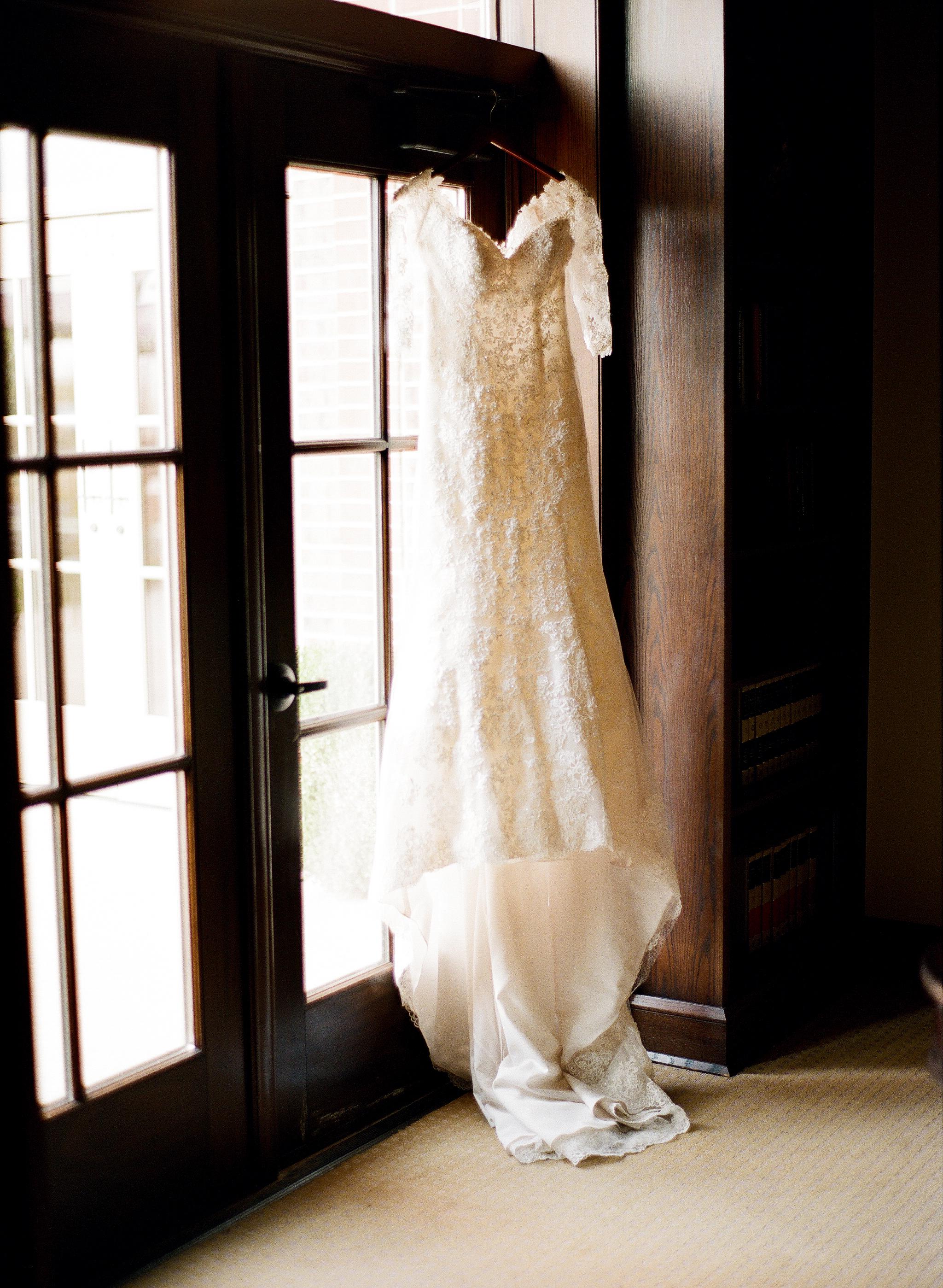 Magnolia Adams Photography | Bridal Gown