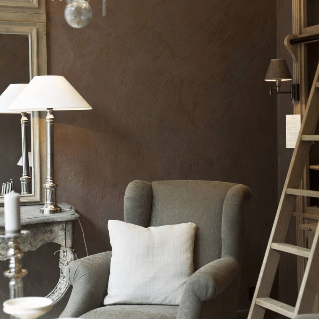 michael+helwig+interiors+why+dark+paint+colors+can+make+your+room+feel+bigger+match+furniture+to+wall+color.png
