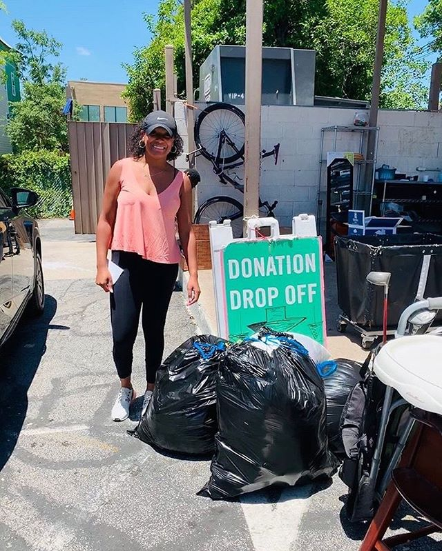 Donations make a difference ☝🏼 Check out our treasurer-elect, @webbnashley, making her donations to @genesiswomensshelter's Thrift Store! Send us your donation selfies to be entered into a drawing for @amazon gift cards! 💸