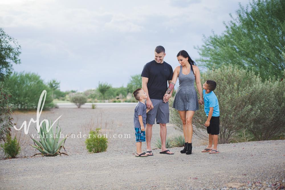 Yreka Family Photographer - Family of 4 Photoshoot (2 of 5).jpg