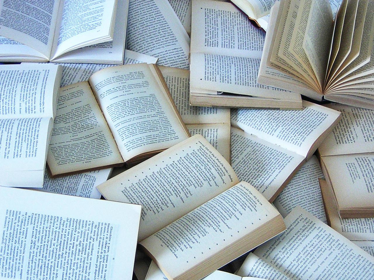 books-1478715-1280x960.jpg