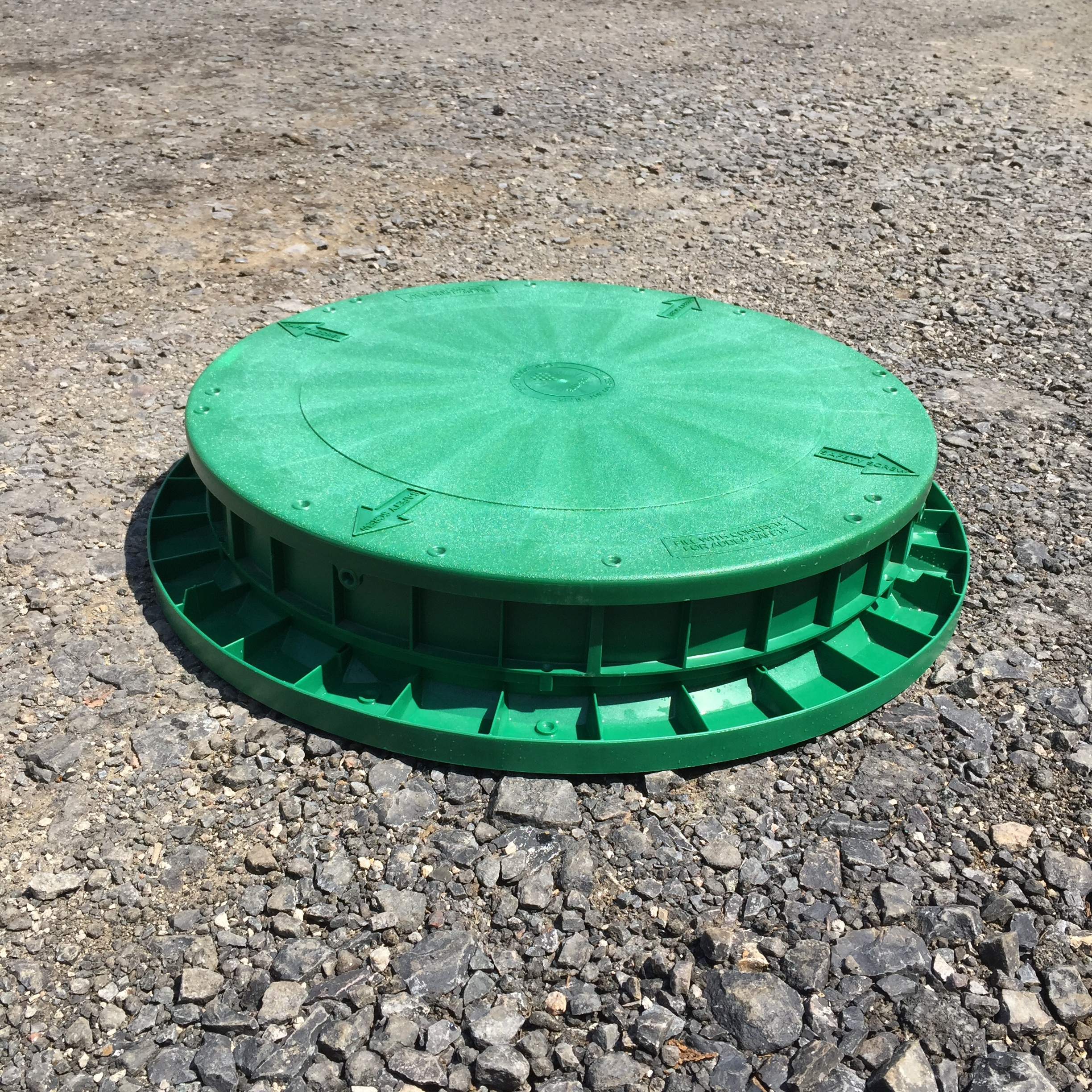 """3"""" Riser shown with Flat Lid and Tank Adapter Ring."""
