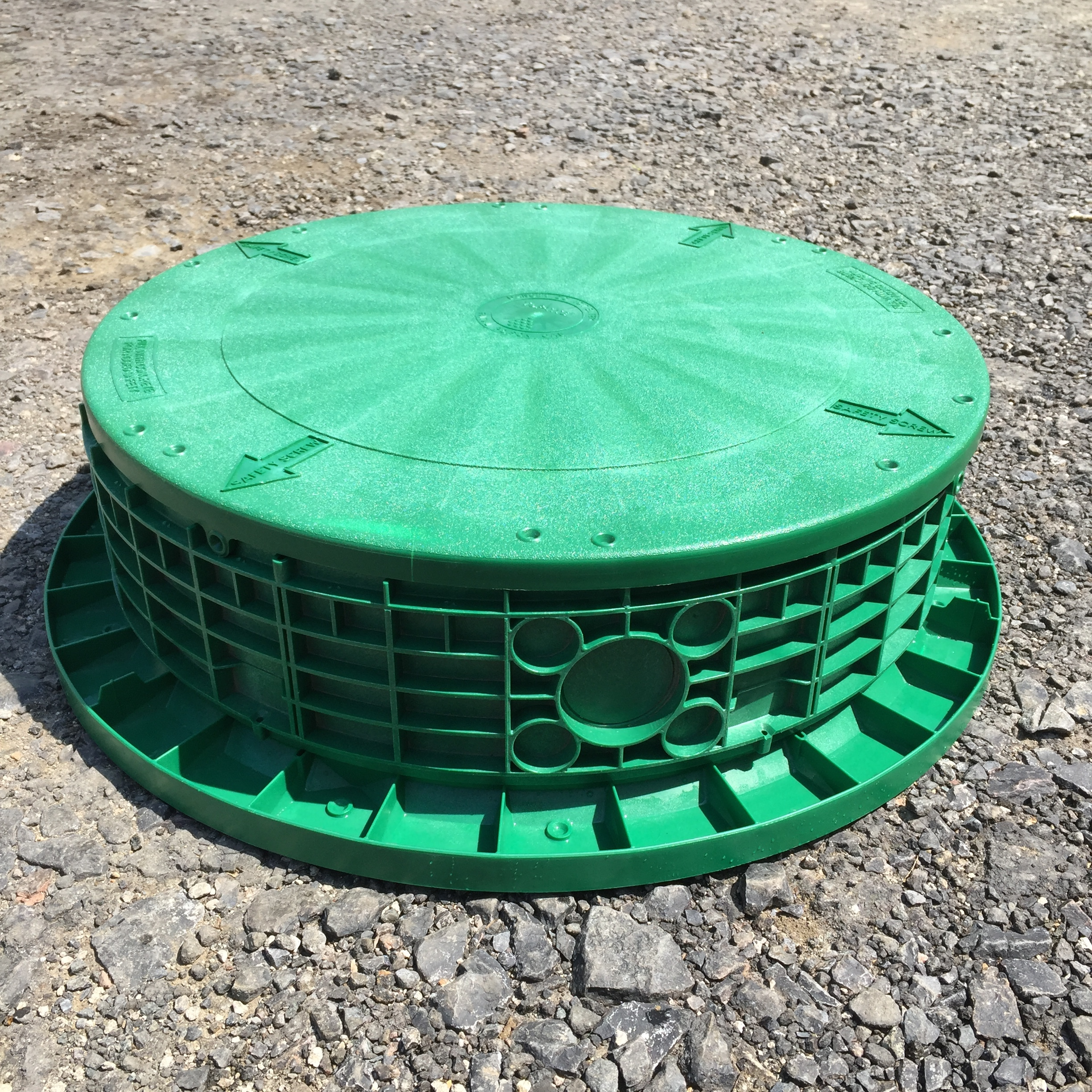 """6"""" Riser shown with Flat Lid and Tank Adapter Ring."""
