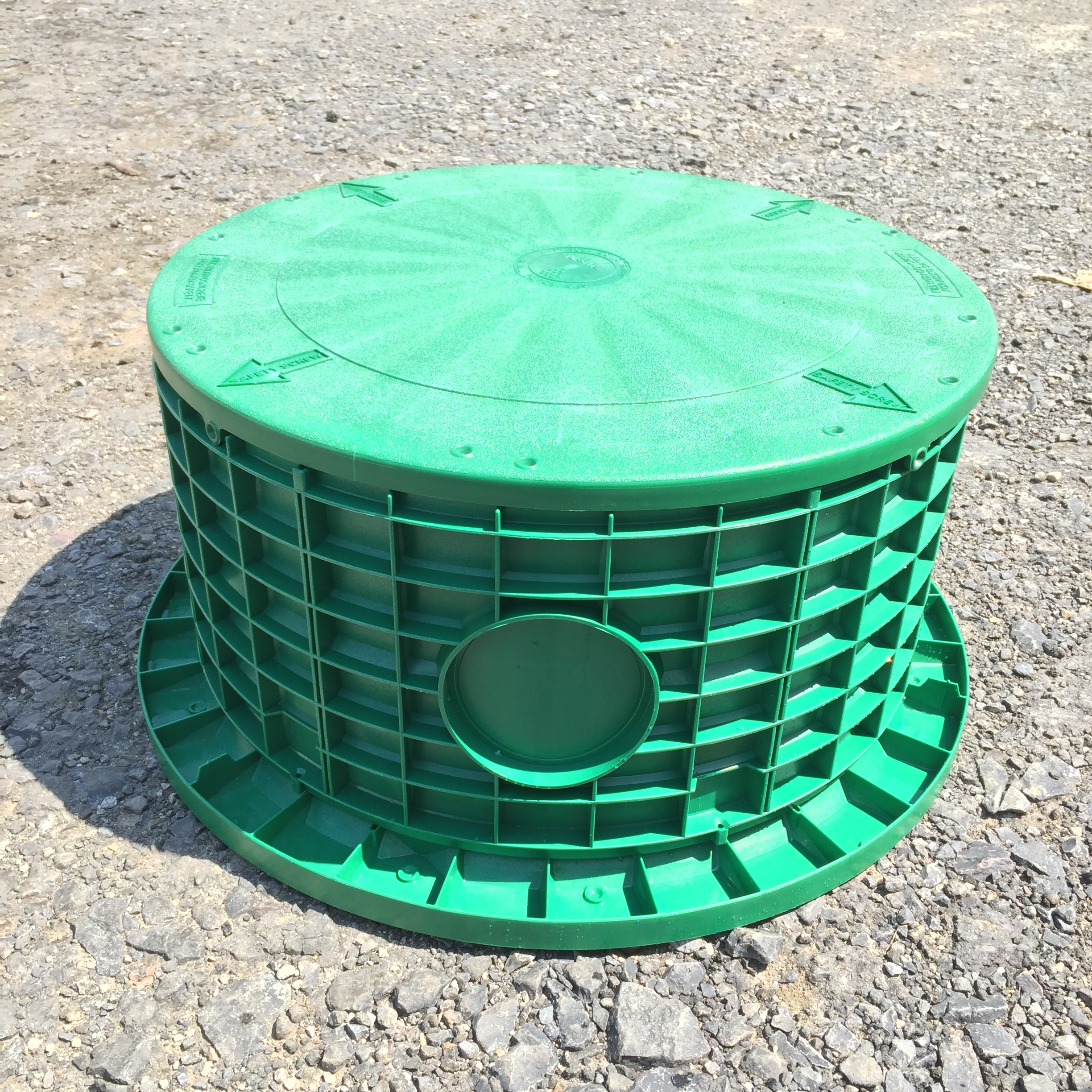 """24"""" Flat Lid shown with 12"""" Riser and Tank Adapter Ring."""