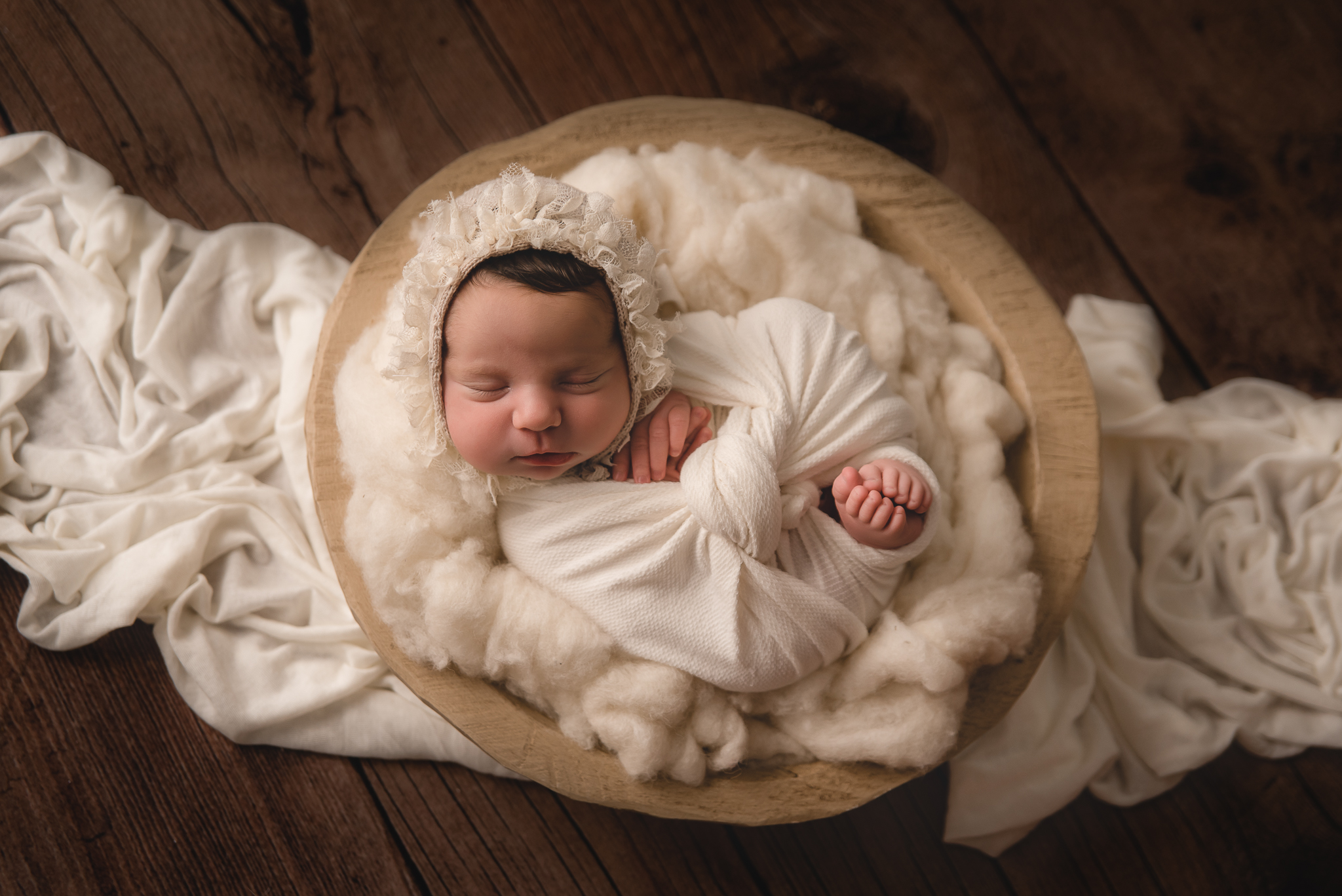 Buffalo newborn photographer (4).jpg