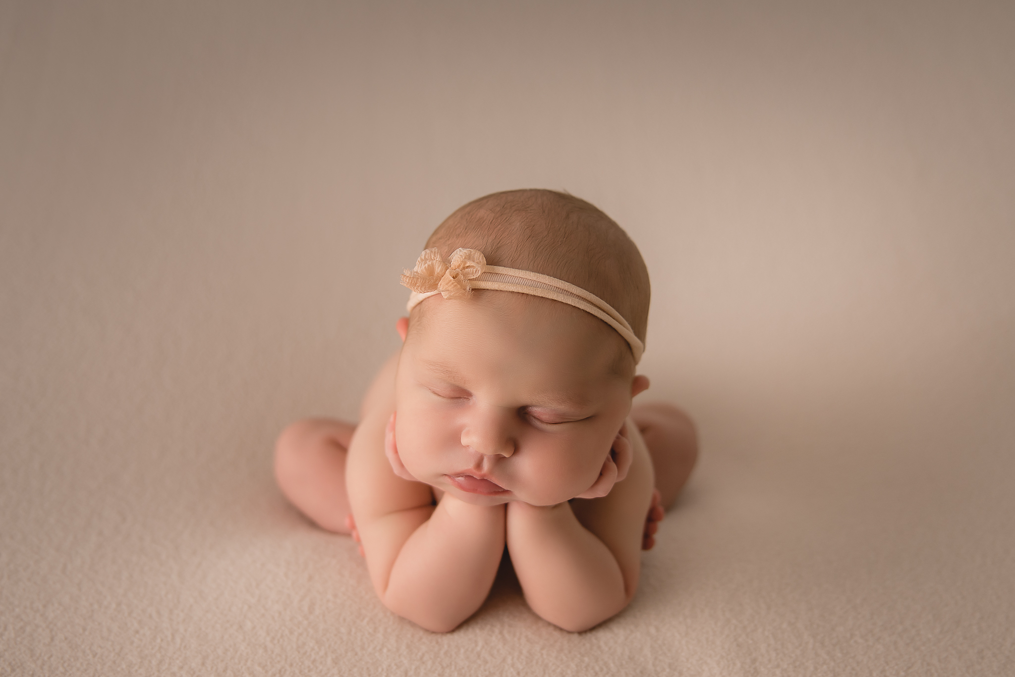 Buffalo newborn photographer (6).jpg