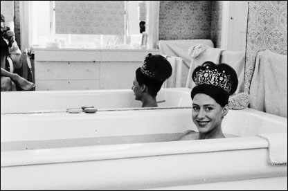 HM Princess Margaret, in her schiaparelli pink bathroom, Kensington Palace