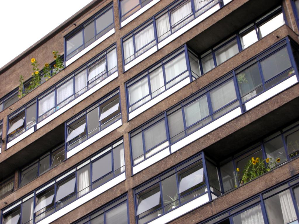 Perronet House, facade