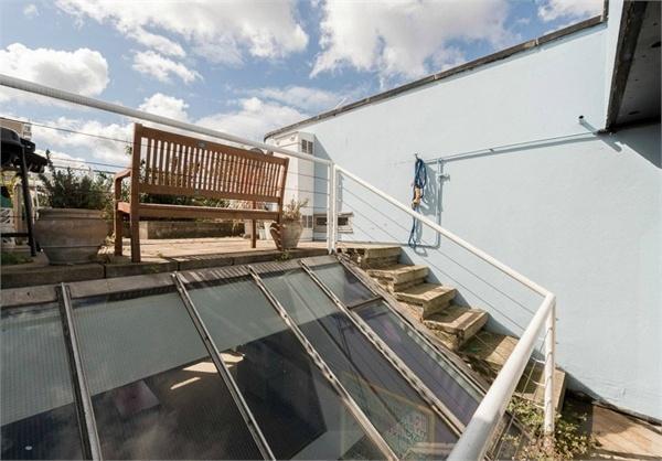 Mansfield Road, top floor skylight
